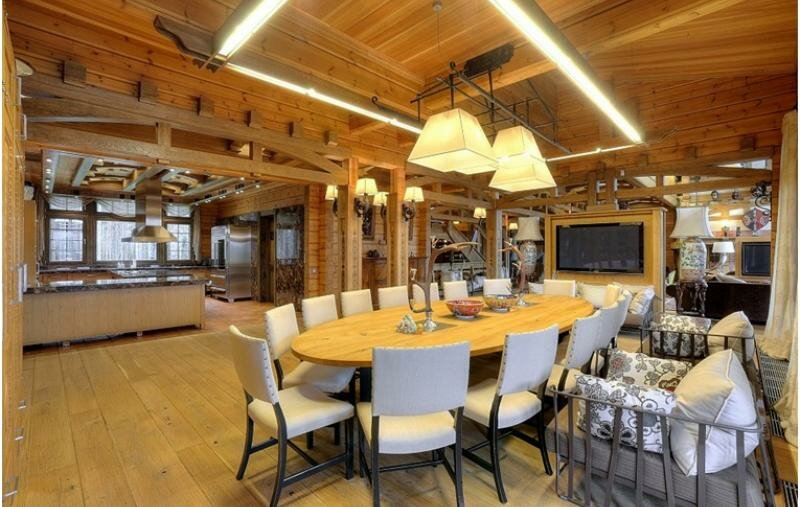 Интерьер элитного деревянного особняка