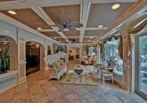 Интерьер комнаты релакса дома в дворцовом стиле