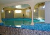 Бассейн в особняке в английском стиле